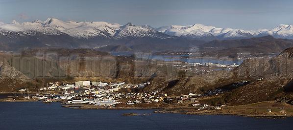 Fosnavåg sentrum fra Teigetua (Kay-Åge Fugledal)