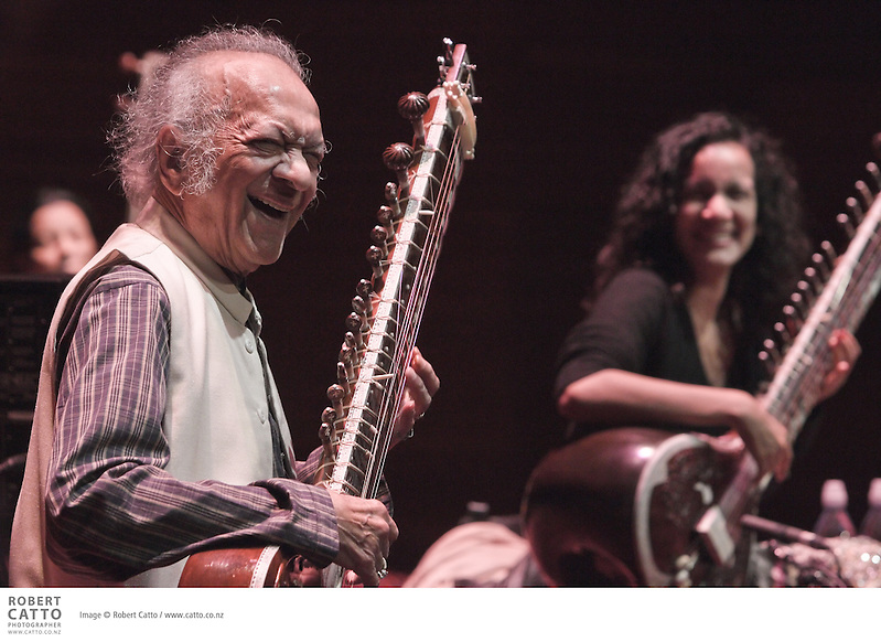 Almost 30 years since sitar virtuoso Ravi Shankar last performed in New Zealand, and he returns during the Festival for his special 90th birthday performance. He is joined on stage by his daughter Anoushka, a sitar virtuoso and composer in her own right. (© Robert Catto / www.catto.co.nz)