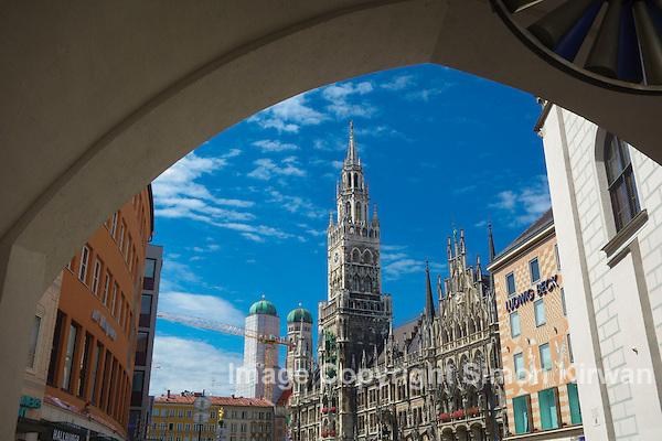 New Town Hall, Marienplatz, Munich, Bavaria, Germany - Travel Photography By Simon Kirwan