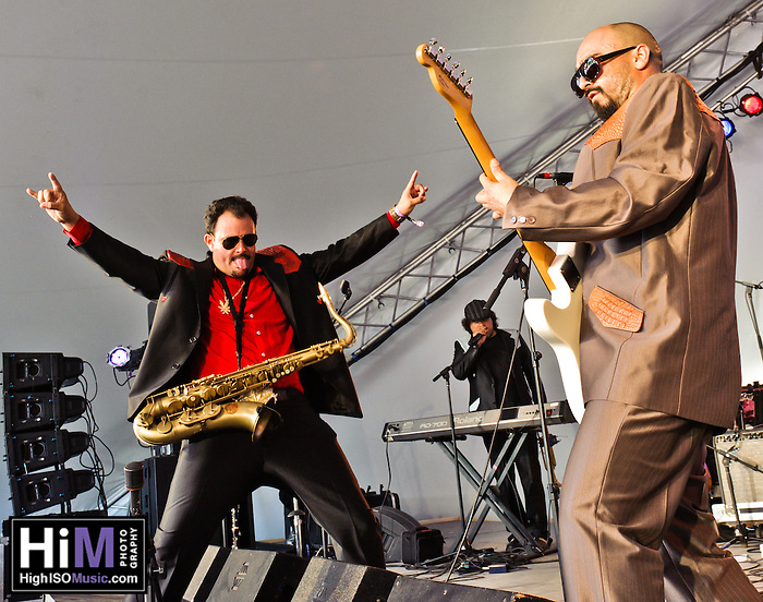 Ozomatli playing at the 2011 Voodoo Festival in New Orleans, LA. (Golden G. Richard III)