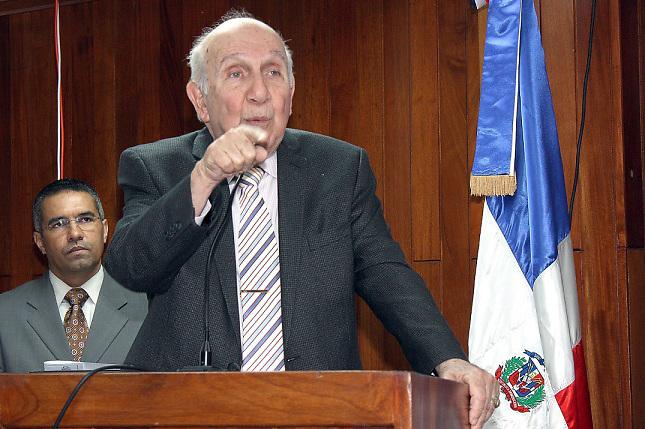 Vincho Castillo pide promover ética y moral en los servidores públicos