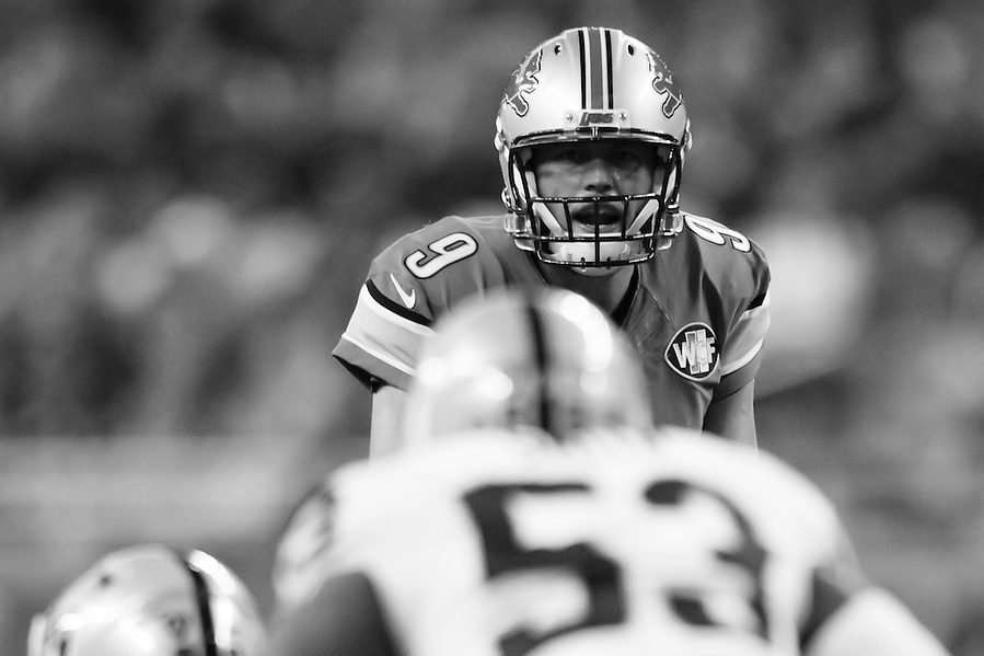 Detroit Lions quarterback Matthew Stafford (9) gets set to run a play against the Oakland Raiders during an NFL football game at Ford Field in Detroit, Sunday, Nov. 22, 2015. (AP Photo/Rick Osentoski) (Rick Osentoski/AP)