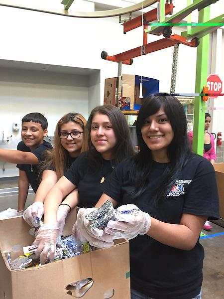 Students dedicate time and money to Houston Food Bank | News