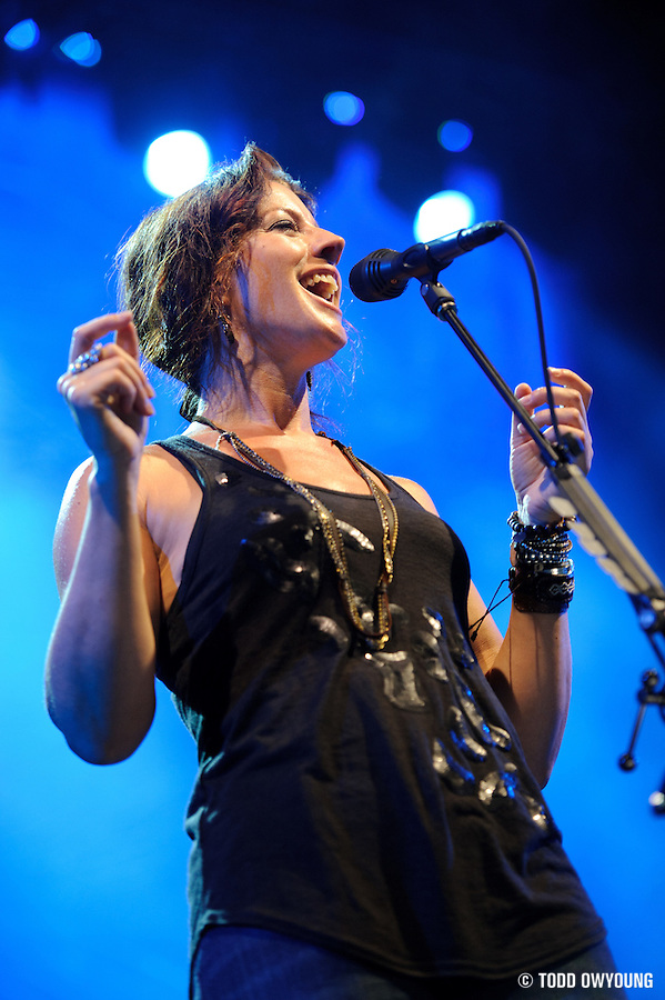 Sarah McLachlan perfroming at Lilith Fair 2010 at Verizon Wireless Amphitheater on July 16, 2010 (TODD OWYOUNG)