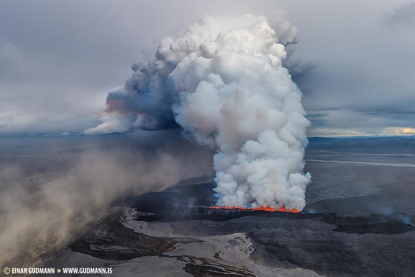 Eruption in Holuhraun, Iceland. Taken 1st. of september 2014. The location is north of Bardarbunga volcano. (Einar Gudmann)