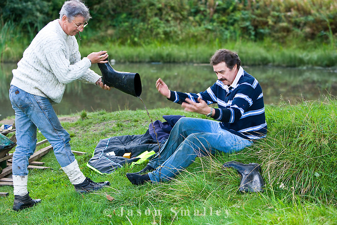 removing a boot full of water (Jason Smalley)