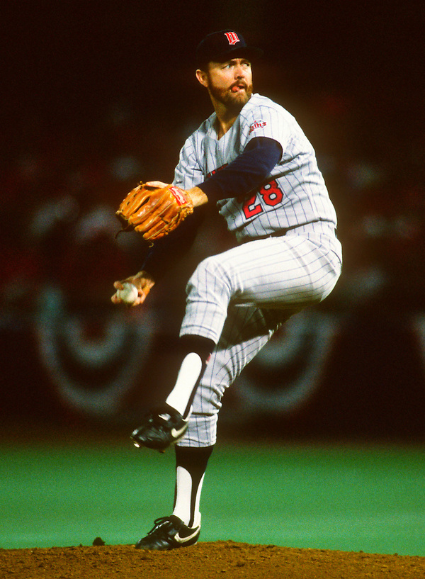 ST. LOUIS - 1987:  Bert Blyleven of the Minnesota Twins pitches during Game 5 of the 1987 World Series versus the St. Louis Cardinals at Busch Stadium in St. Louis, Missouri.  Blyleven played for the Twins from 1970-1976 and again from 1985-1988.  (Photo by Ron Vesely) (Ron Vesely)