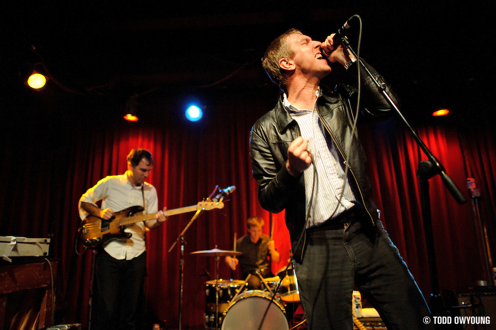 Photos Brooklyn-based band The Walkmen performing at Off Broadway in St. Louis on October 20, 2010 (�© Todd Owyoung)