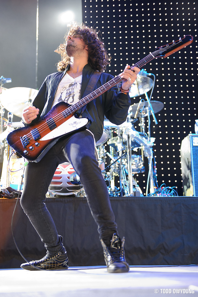 Photos of the band Heart performing in support of Def Leppard at Verizon Wireless Amphitheater in St. Louis on August 10, 2011. (Todd Owyoung)