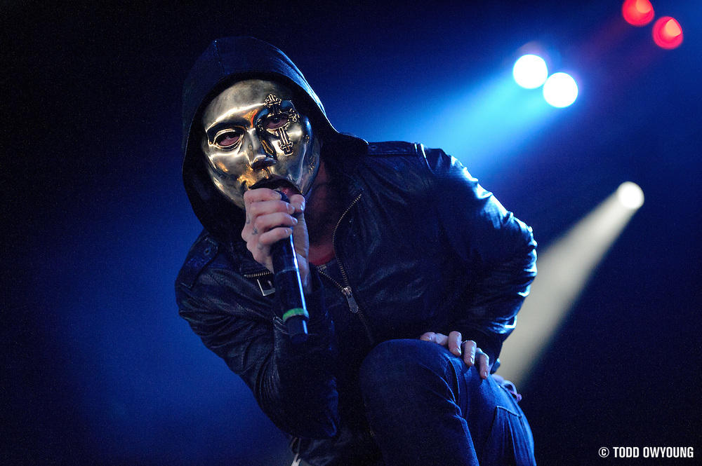 Hollywood Undead performs on May 15, 2011 at Verizon Wireless Amphitheater in St. Louis, Missouri. © 2011 Todd Owyoung. (Todd Owyoung)