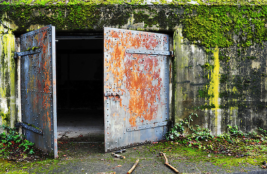 Exploring Fort Worden Bunkers With The Fujifilm X100t
