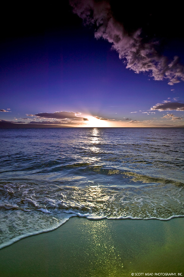 Maui Sunset with wave and beach from West, Kaanapali, Maui, Hawaii (Scott Mead)