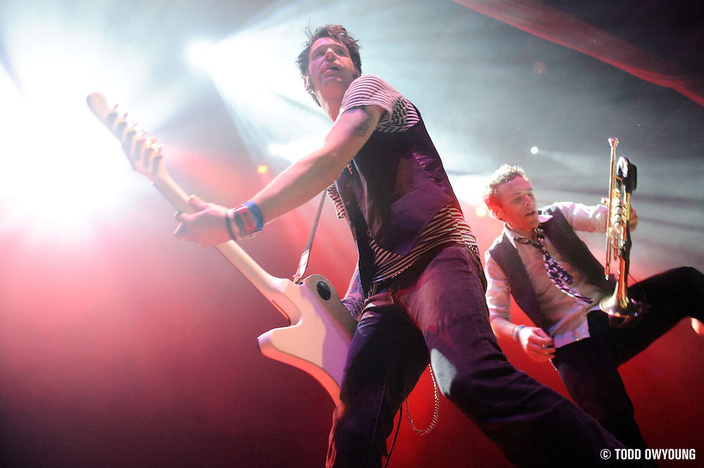 Ska band Suburban Legends performing at the Pageant in St. Louis on November 14, 2010 (© Todd Owyoung)