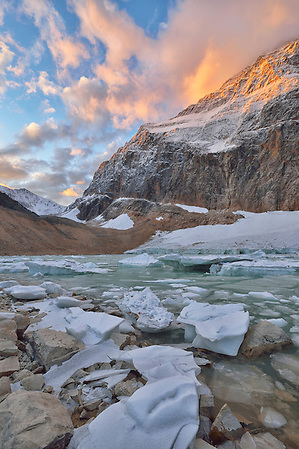 Mount Edith Cavell at dawn,Jasper National Park, Alberta, Canada UNESCO; World Heritage; (Christian Heeb)