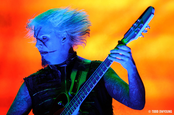 Guitarist John 5 performing with Rob Zombie at Mayhem Fest 2010 on July 20 (Todd Owyoung)