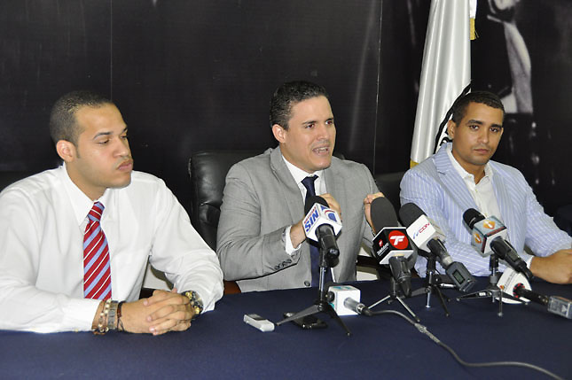 JRD dice gravamen a compras por Internet obedece al déficit heredado por LF