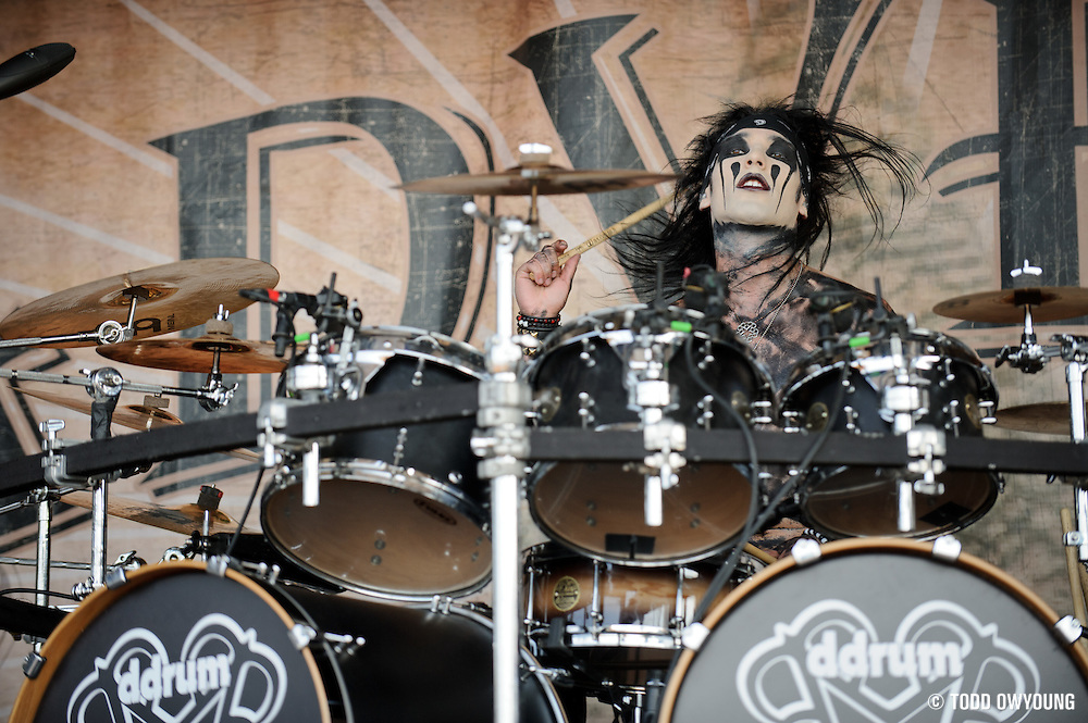 The Black Veil Brides performing on Warped Tour at Verizon Wireless Amphitheater in St. Louis, Missouri on August 3, 2011. © Todd Owyoung. (Todd Owyoung)