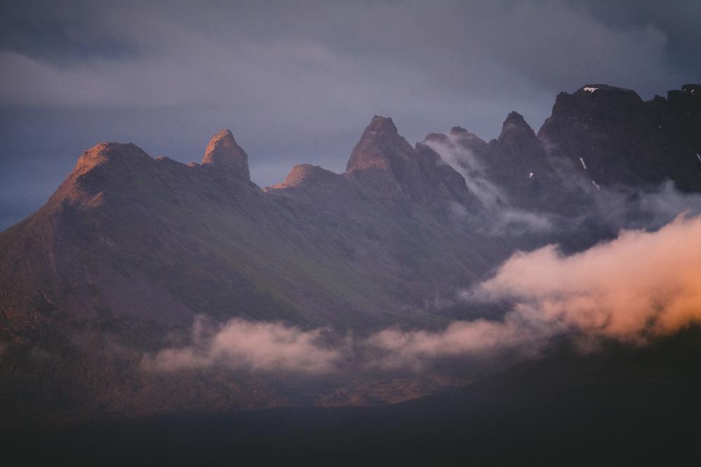 Arete | Sharpness of mountain ridge, Norway (Davis Ulands/Ⓒ Davis Ulands | davisulands.com)
