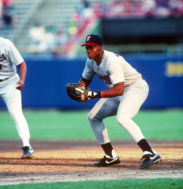 MILWAUKEE - AUG 2:  Frank Thomas of the Chicago White Sox makes his major league debut against the Milwaukee Brewers at County Stadium in Milwaukee, Wisconsin on August 2, 1990.  Thomas played for the White Sox from 1990-2005.  (Photo by Ron Vesely) (Ron Vesely)