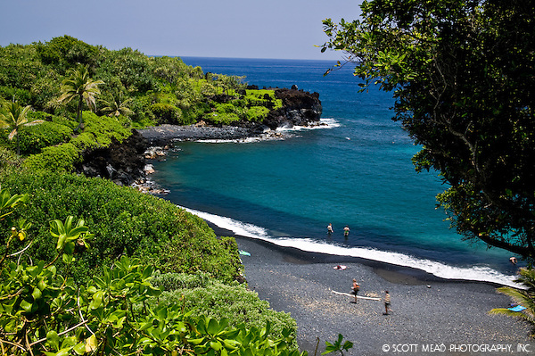 Black Sand Beach, at Waianapanapa State Park in Hana, Maui, Hawaii (Scott Mead)