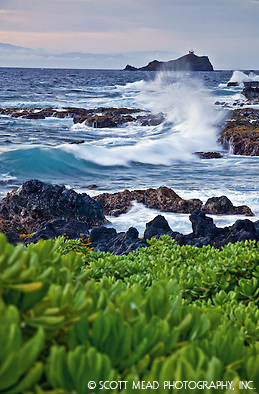 Crashing waves in Waianapanapa, view of Alau island, Hana, Maui, Hawaii (© Scott Mead Photography, Inc. ALL RIGHTS RESERVED)