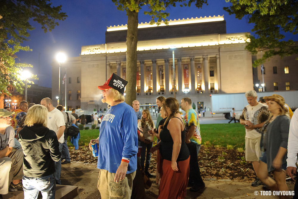 Widespread Panic fans congregating in Etermal Flame Park across Market Street from the Peabody Opera House before the concert. (Todd Owyoung)