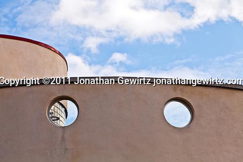 Deco architecture at Glen Echo Park, Maryland. (Copyright 2011 Jonathan Gewirtz jonathan@gewirtz.net)