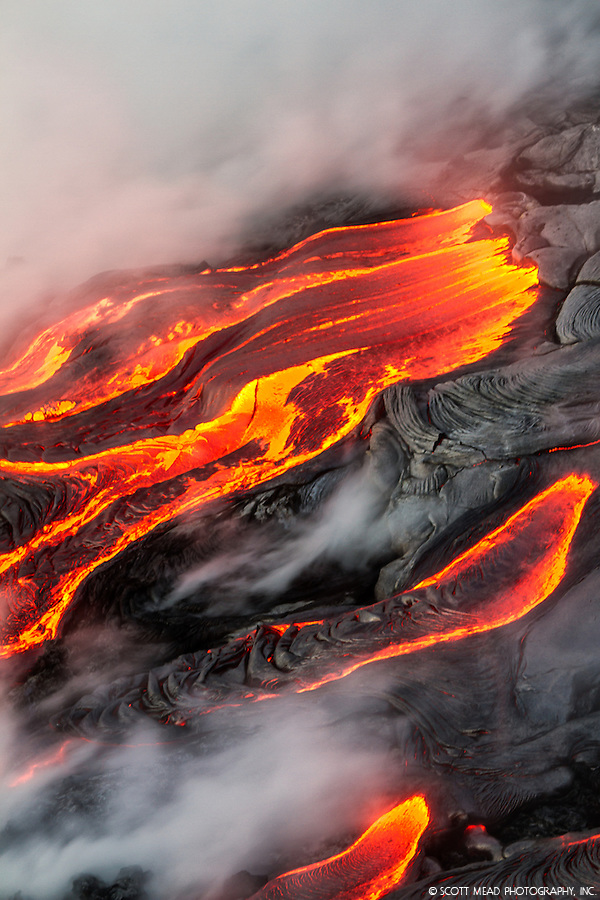 Flowing molten lava from Kilauea, Volcano National Park, Big Island, Hawaii (Scott Mead)