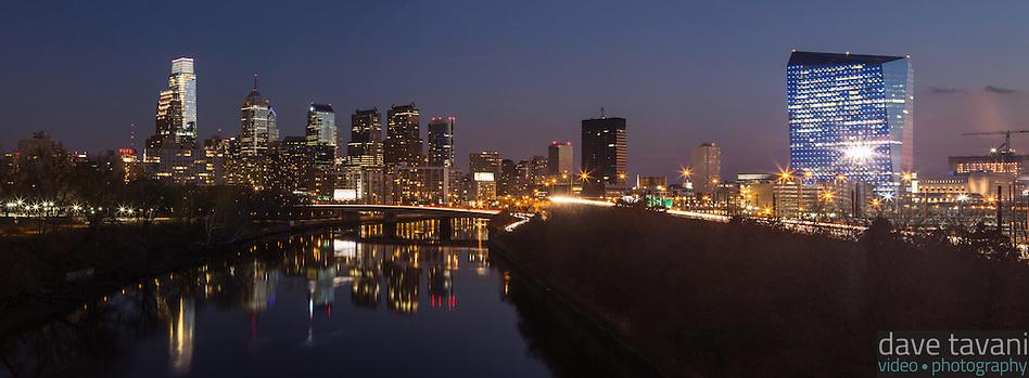The sunsets over the Philadelphia skyline as seen from the Spring Garden Street Bridge on November 29, 2013. (Dave Tavani)
