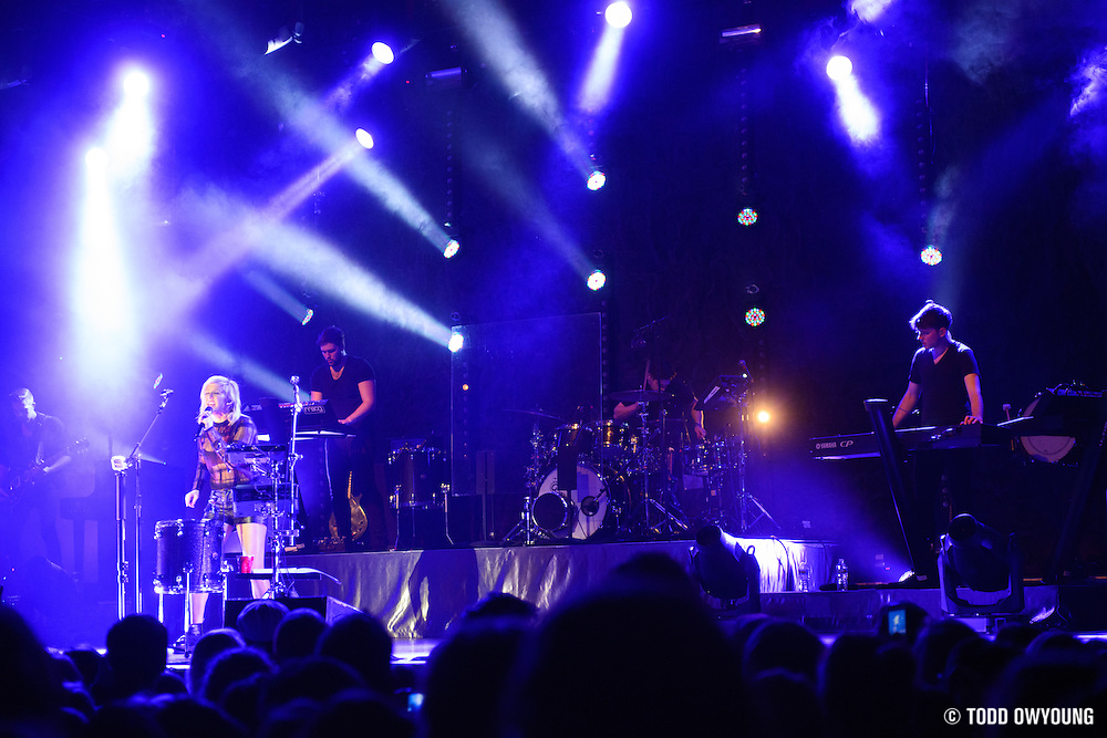 British singer Ellie Goulding performing at the Pageant in St. Louis on January 30, 2013. (Todd Owyoung)