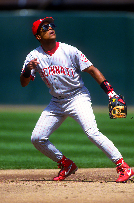 SAN FRANCISCO:  Barry Larkin of the Cincinnati Reds fields during an MLB game at Candlestick Park in San Francisco, California.  Larkin played for the Reds from 1986-2004.   (Photo by Ron Vesely)   Subject: Barry Larkin. (Ron Vesely)