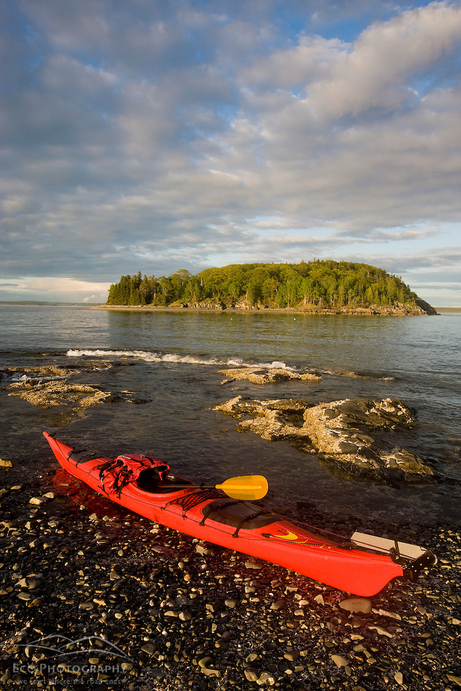 A kayak in the Porcupine Islands in Maine's Acadia National Park.  Bar Harbor. (Jerry and Marcy Monkman/EcoPhoto)