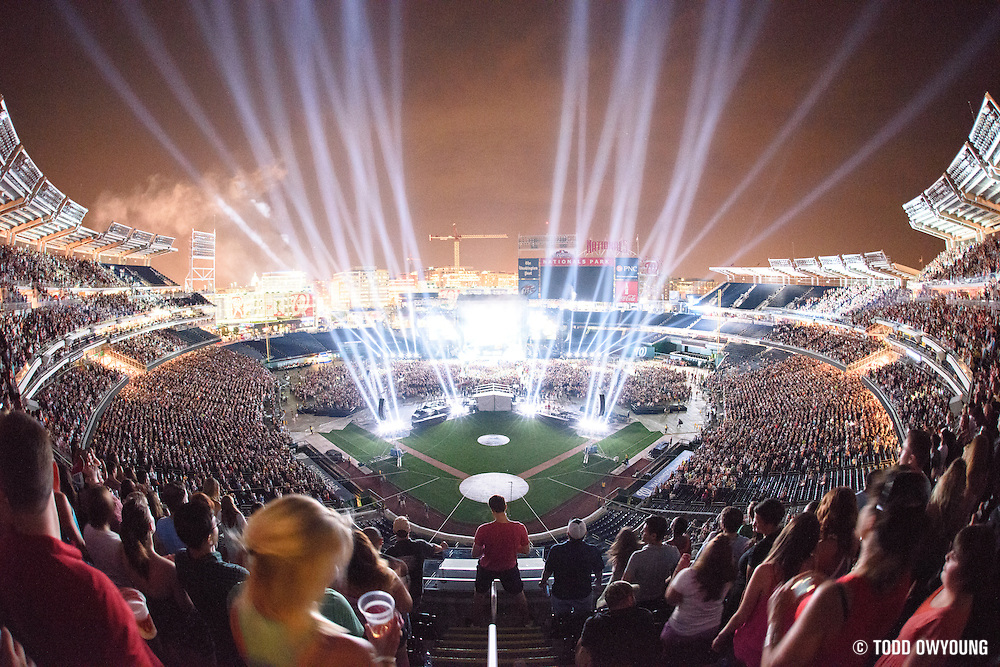 Jason Aldean performing at Nationals Park in Washington, D.C. on July 27, 2014 on the Burn It Down Tour. (Todd Owyoung)