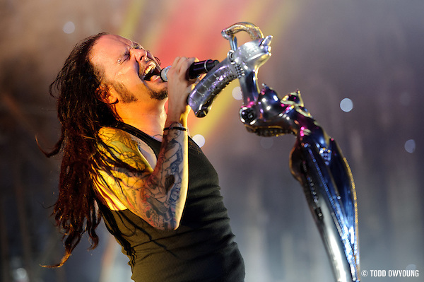 Korn performing at Mayhem Fest 2010 on July 20 at Verizon Wireless Amphitheater in St. Louis (Todd Owyoung)